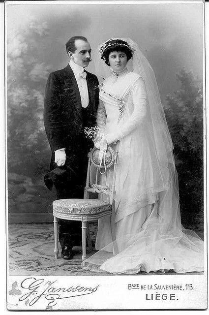 Vintage wedding couple photo