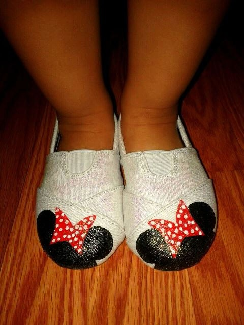 Minnie Mouse Shoes by sweetfeetbybrit on Etsy, $32.00