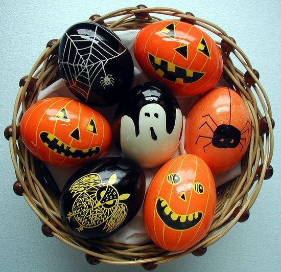 Halloween inspired egg decorating! ????