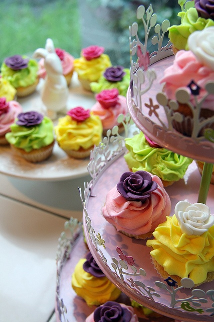 Baby shower cupcakes...absolutely perfect for a 'May Flower' themed baby shower! love love love in different colors