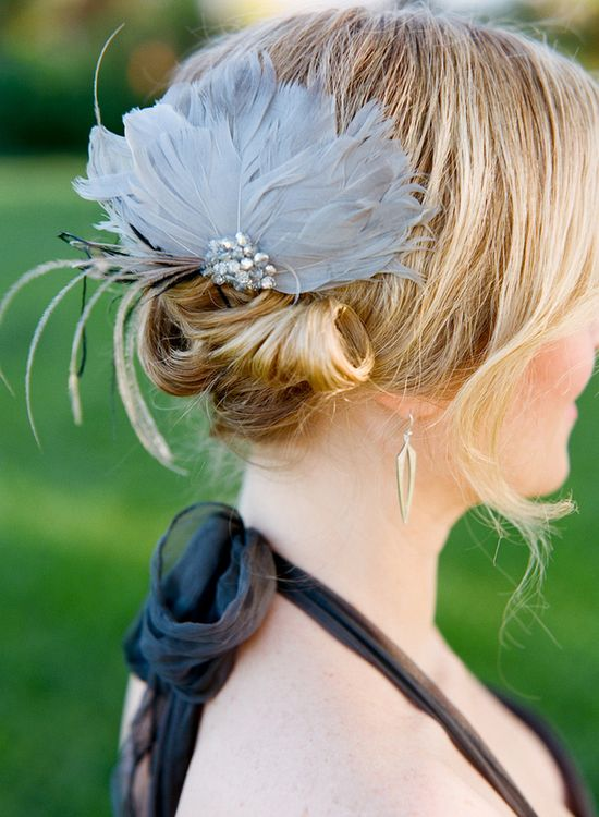 grey feather hair accessory // photo by Q Weddings // ruffledblog.com/...