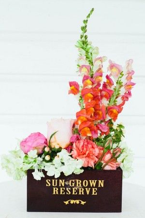 Colorful-Snapdragon-Centerpiece