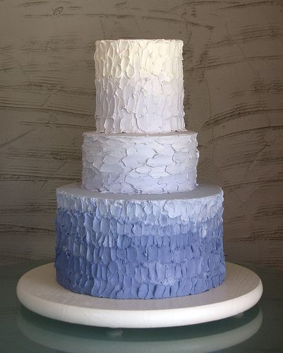 love the ombre cake