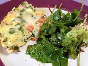 Slow Cooker Spinach, Tomato, and Mozzarella Frittata [from Slow Cooker Queen via Slow Cooker from Scratch] #SlowCooker #CrockPot #MeatlessMonday