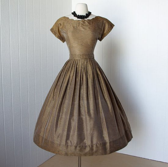 vintage 1950's dress rich GOLDEN iridescent sharkskin #partydress #vintage #frock #retro #teadress #romantic #feminine #fashion #promdress #petticoat