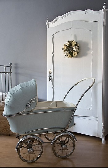 Would love to get my hands on one of these   .. ... .. ...  Cute baby boy room, love the baby blue vintage pram