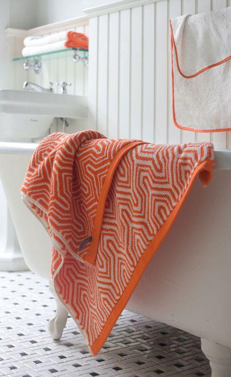 Orange + white bath