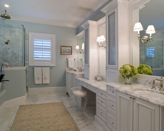 House of Turquoise: Bathroom
