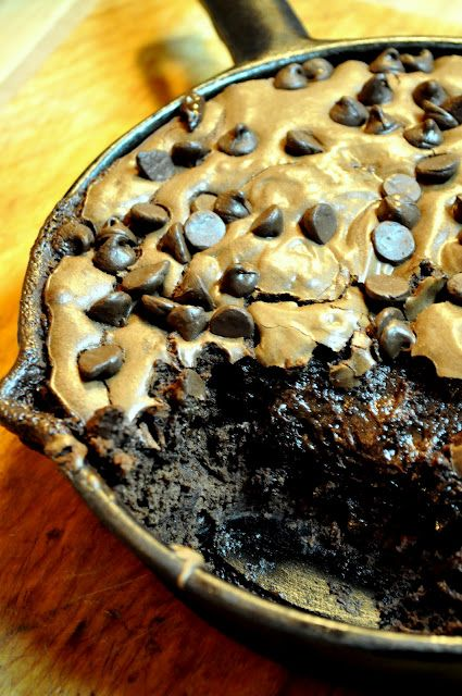 Cast iron skillet chocolate chip cookie brownies