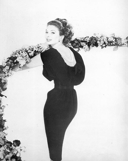 Suzy Parker.    Photo by Henry Clarke. 1959
