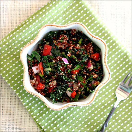 Red Quinoa and Kale Slaw by tastefoodblog #Salad #Kale #Quinoa #tastefoodblog