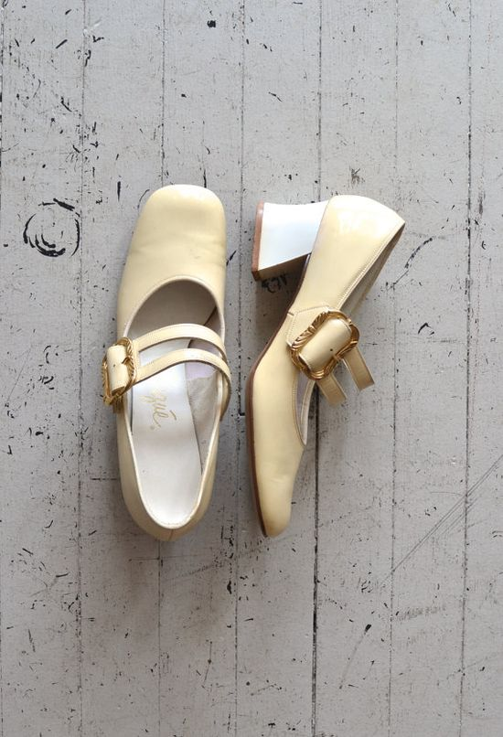mod 60s shoes / 1960s mary janes / Cream on Top mary janes -- I so remember these kinds of heels...