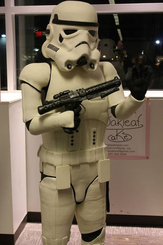 """Life-sized (6'4"""") edible Stormtrooper cake!"""