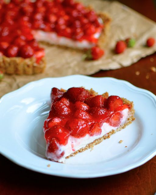 This is so good!  Love the super crunchy crust!  Strawberry Pretzel Tart