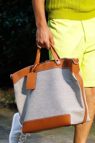 Hermès S/S 2013 tote. By the way, the colours of the clothes is brilliant! The whole outfit is spot on.