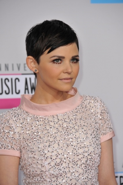 Ginnifer Goodwin at the 40th Anniversary American Music Awards at the Nokia Theatre LA Live. #makeup #celebrity #beauty