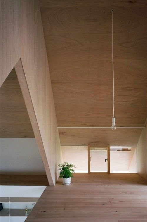 (via Japanese Minimalist Home Design)