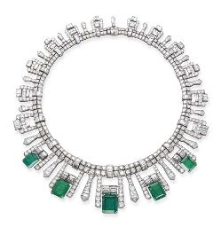 AN ART DECO EMERALD AND DIAMOND FRINGE NECKLACE