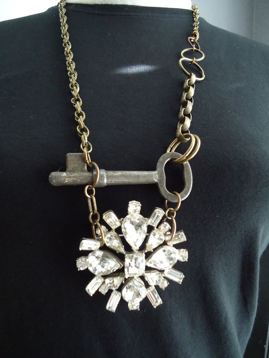 Vintage key and brooch necklace by vintagedaisee on Etsy