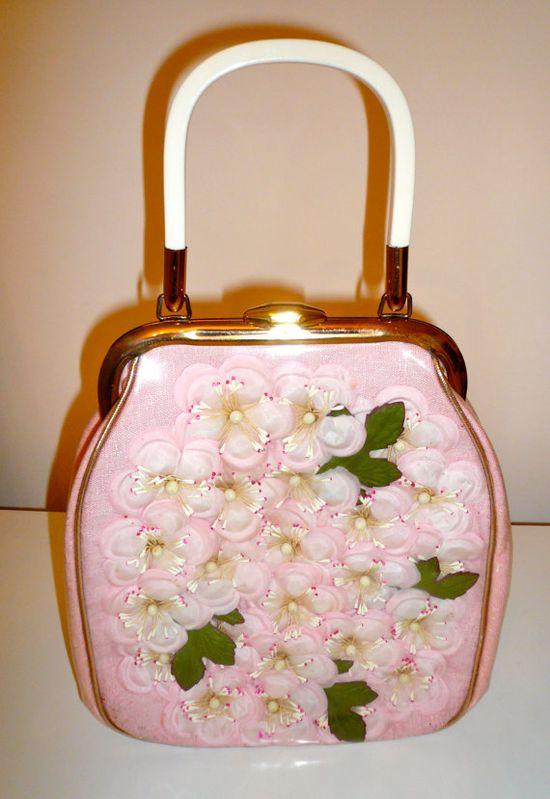 1950s Cherry Blossom Handbag - the perfect springtime purse! #vintage #handbags #purses #accessories