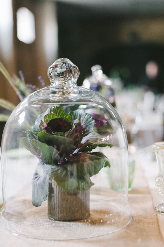 organic inspired centerpieces  Photography by jefflovesjessica.com, Floral Design by marthasfloralstud...