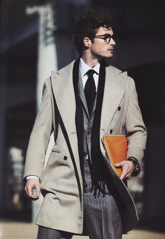 Love the way that orange case contrasts w/ the neutrals