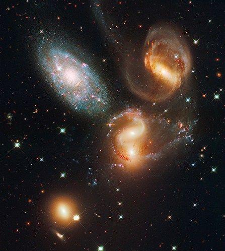 Many galaxies (© NASA/AP)