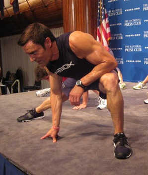 Tony Horton on Why He Never Counts Reps