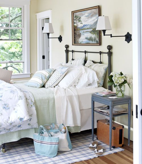 Such a classically pretty bedroom.     #bedrooms #decorating