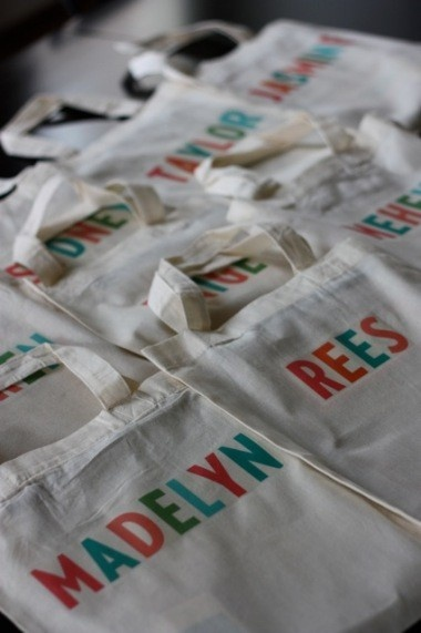 Too cute!  DIY library bags as party favors... would be fun for a book party!
