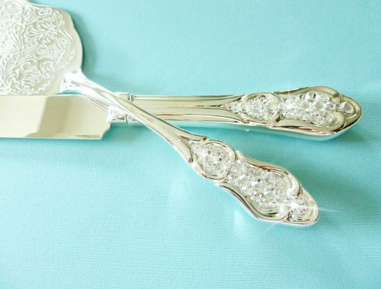 wedding cake knife and server set sparkly winter wedding ideas