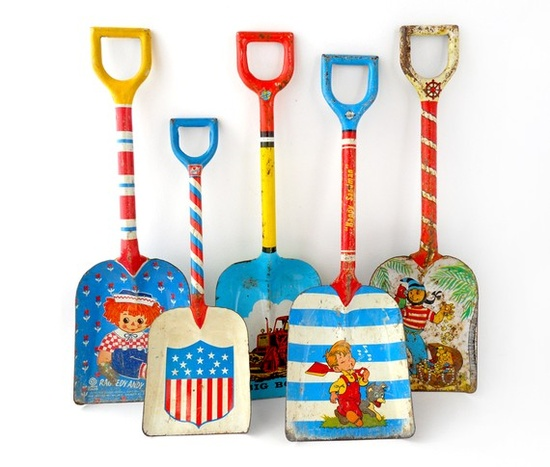 vintage shovels, remember when they were made of metal?!