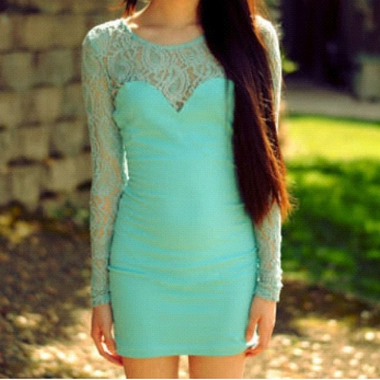 Mint green really is the best shade to be seen in this S/S. Lace is BIG as well,