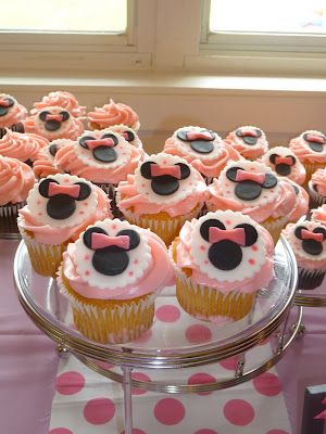 Minnie Mouse 2nd Birthday party cupcakes