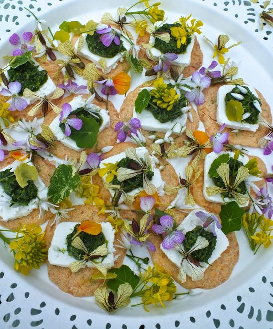 Edible flowers: Spicy Flower Canapés