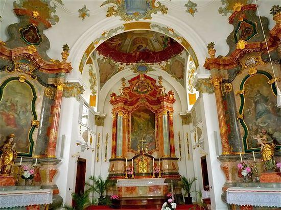 Neuschwannstein castle interior