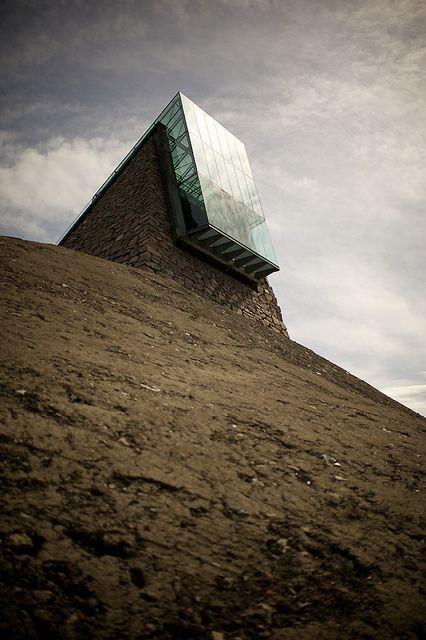 spaceship architecture by williwieberg