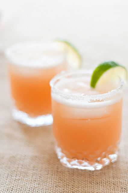 pink grapefruit margaritas!