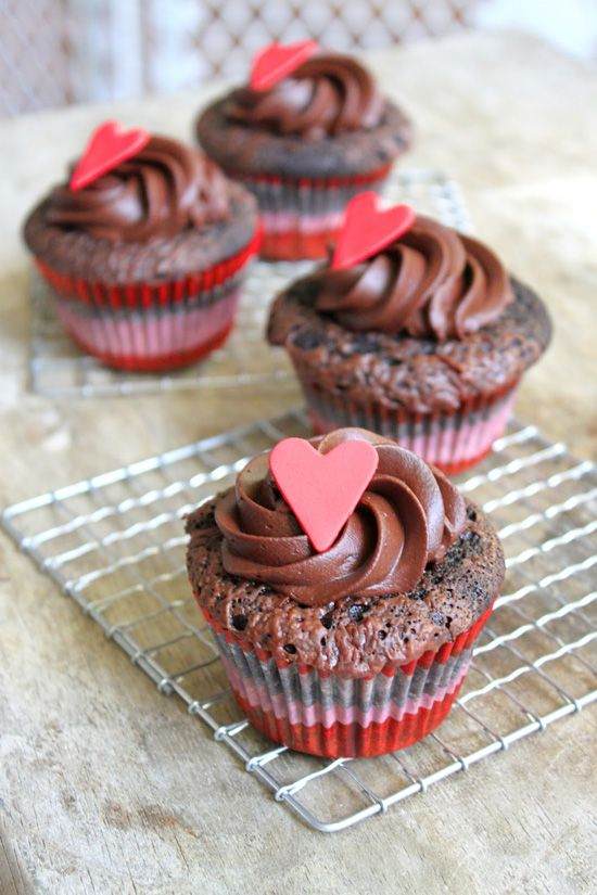 The ULTIMATE Chocoholic Treat! Dark Chocolate Cupcakes with Milk Chocolate Filling & whipped Chocolate Ganache Topping #cupcakerecipes