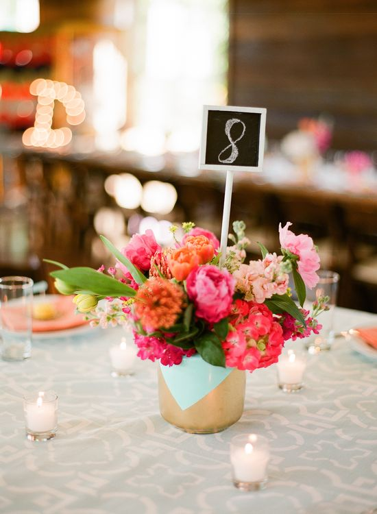 A yummy centerpiece if we do say so ourselves. The linens add a preppy touch!