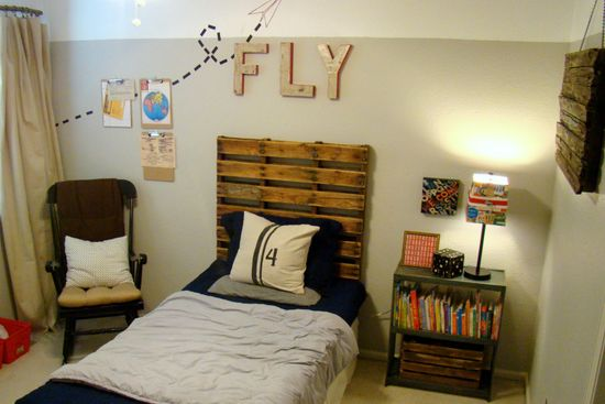 Awesome vintage airplane bedroom