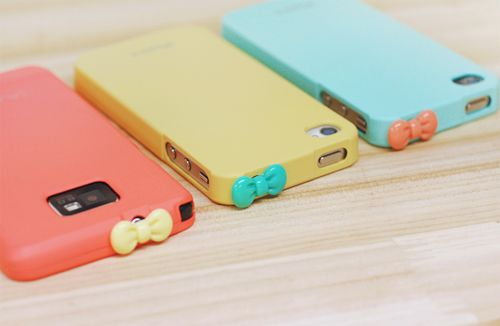 pretty iphone covers! i want one!