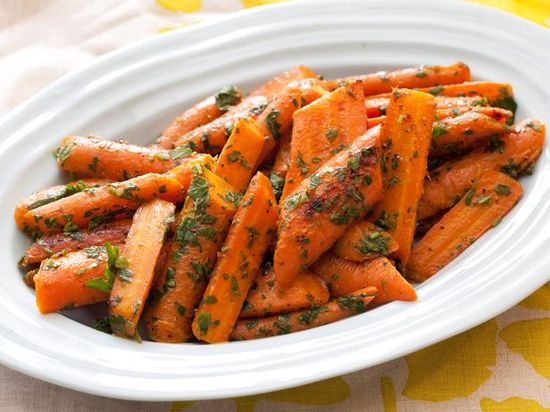 Pan-Roasted Carrots with Mint and Parsley Gremolata #myplate #veggies