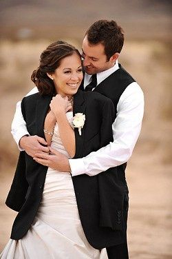 Take a picture in your groom's jacket... One of the best ideas for #wedding pictures!