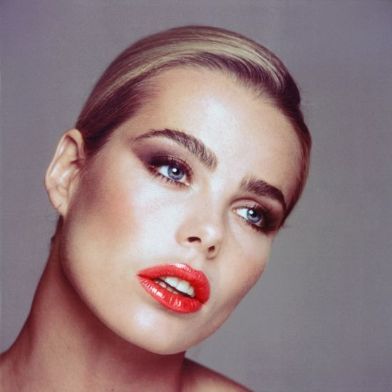 Margaux Hemingway...made bold eyebrows popular,famous granddad and early tragic death