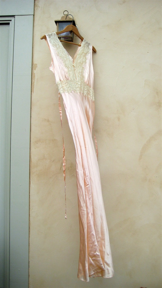 Vintage Lingerie 40's Nightgown Hollywood Glamor Bias Cut Peach Lingerie.