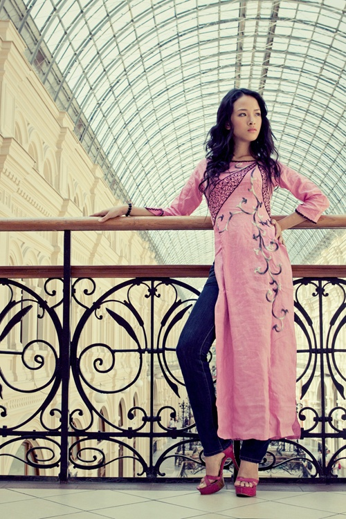 I could so pull this off, except I only have one ao dai D: