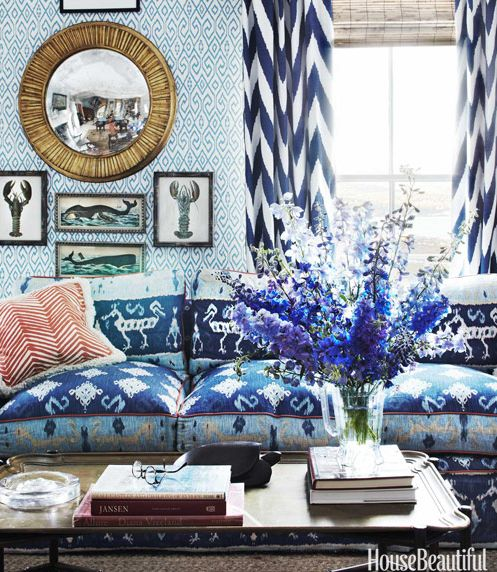Quintessential interior palette for the summer season: blue & white.
