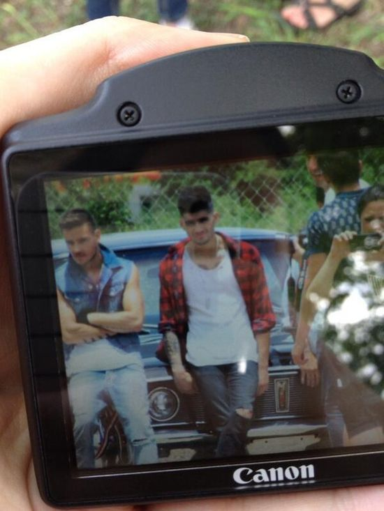 Liam and Zayn for a photoshoot today. Look at them!