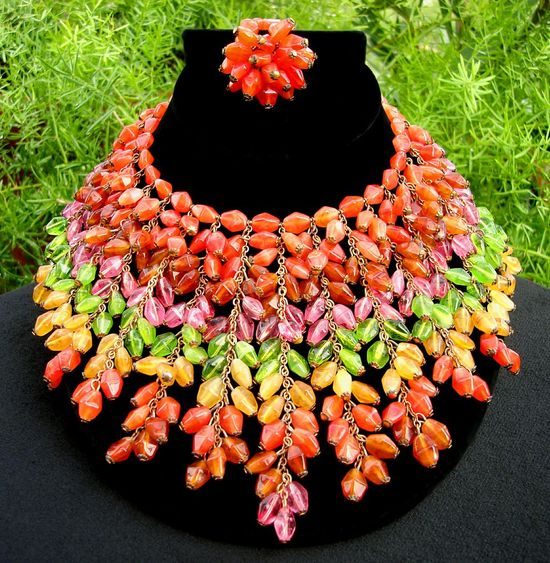 """Amazing & Rare Vintage """"Miriam Haskell"""" Glass Necklace"""